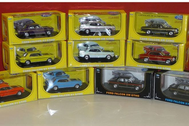 Model Cars - 10 x Ford Falcon XW GT-HO & XY GT-HO (1:32 scale)