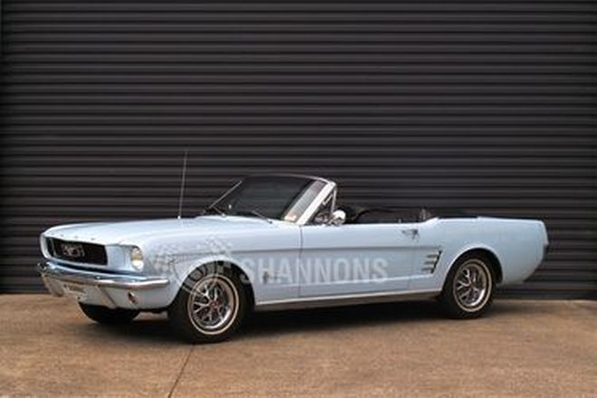Ford Mustang Convertible (LHD)