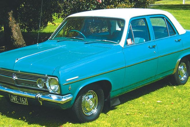 Holden HR Special Sedan