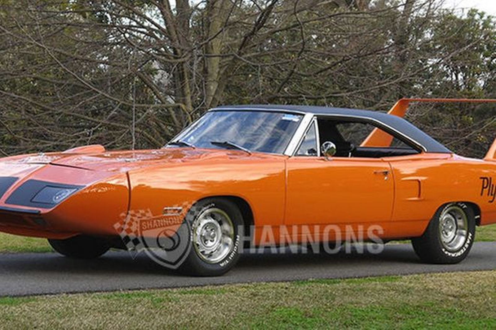 Plymouth Superbird Roadrunner Coupe LHD