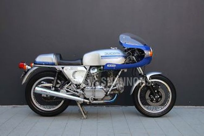 Ducati 900 SS Motorcycle