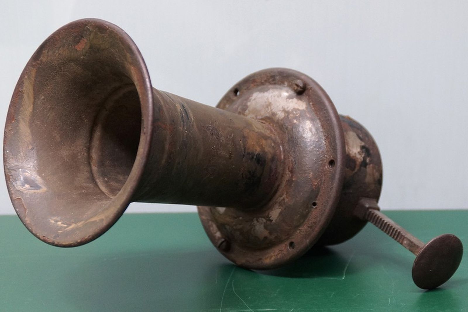Car Horn - Veteran Hand Operated Klaxon Horn (In Working Order)