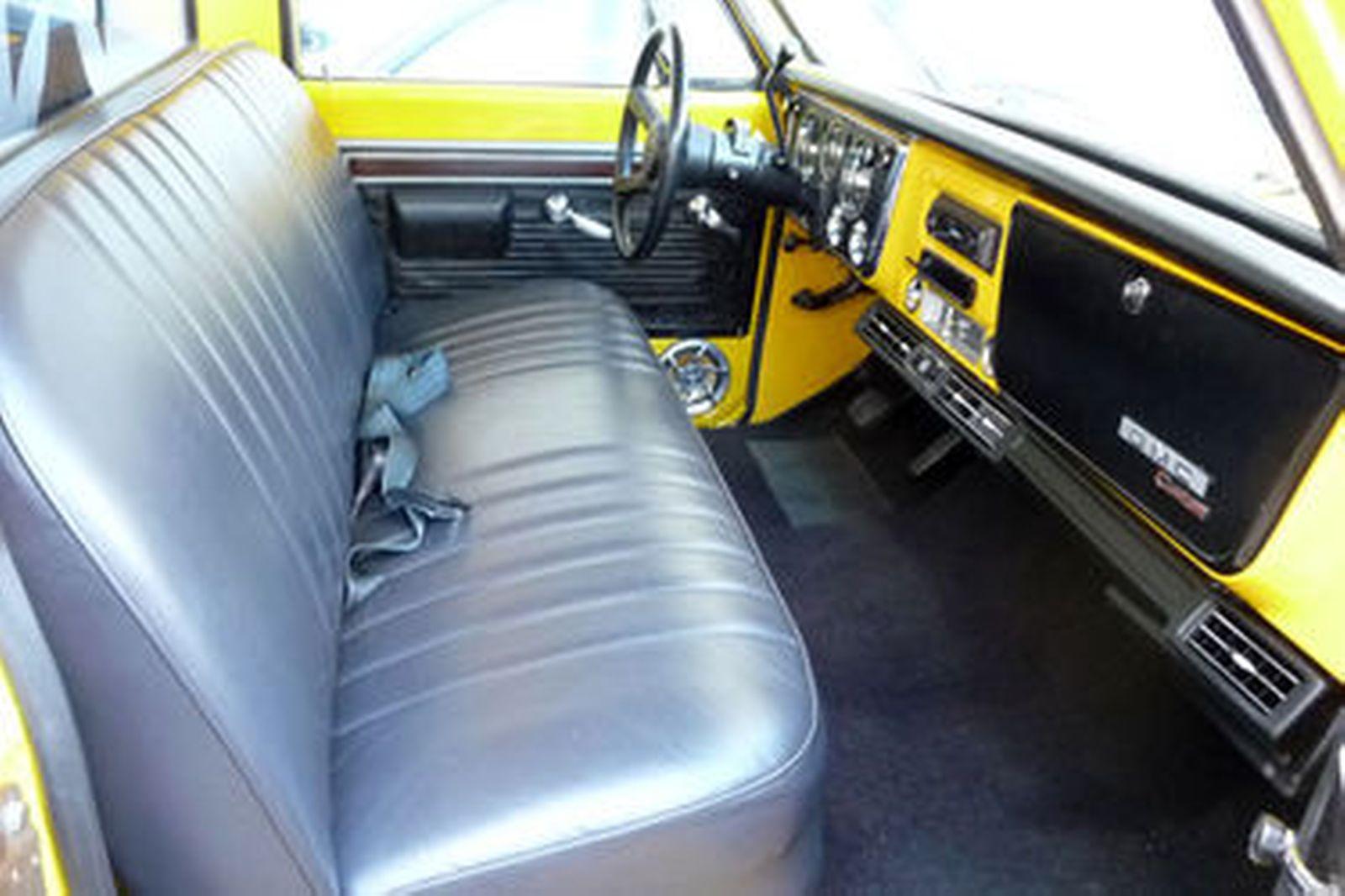 GMC 1500 Custom Pick-Up (LHD)