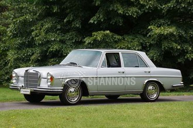 Mercedes-Benz 280SE 3.5 V8 Saloon