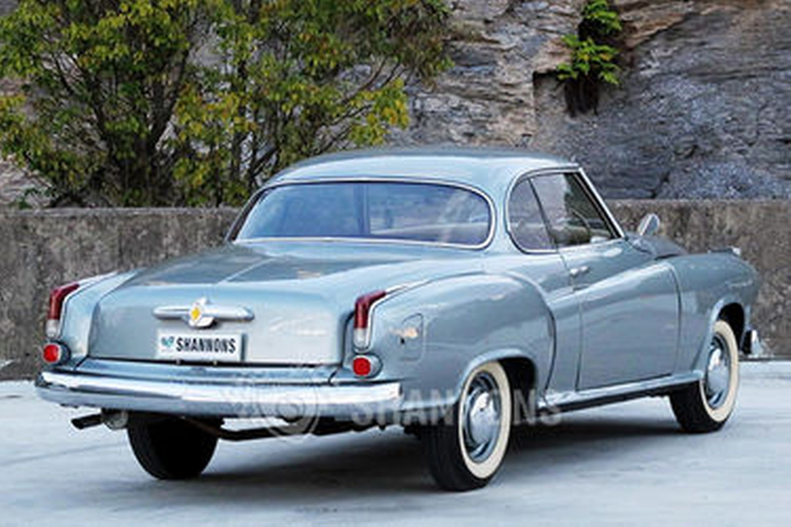 Sold: Borgward Isabell...