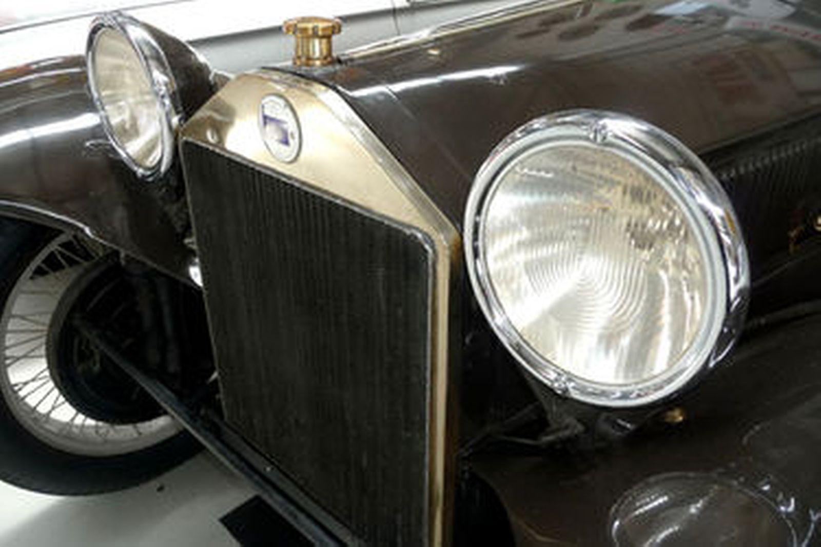 https://www.shannons.com.au/library/images/auctions/U2Q8O3X9W4L5I6X9/1600x1066/1926-lancia-lambda-6-series-tourer.jpg
