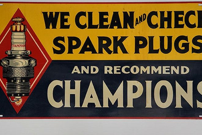 Tin Sign - Champion Spark Plug - Made in USA (35 x 76cm)