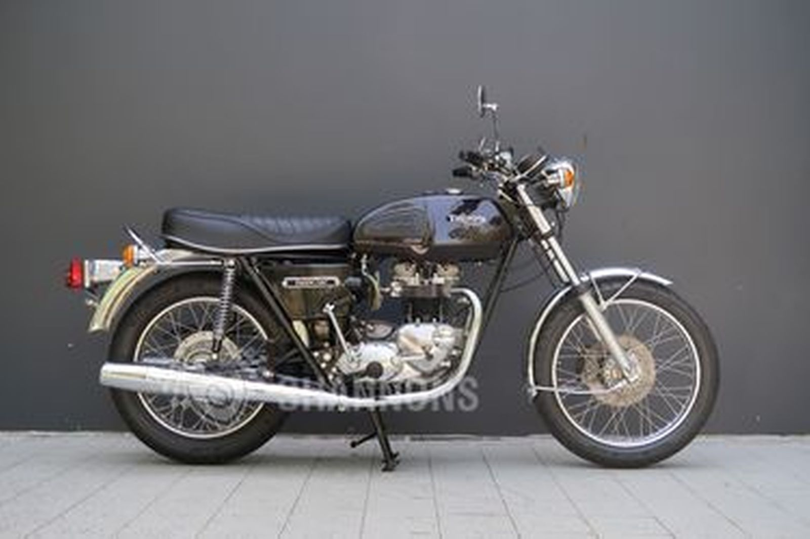 Triumph 750 Tiger TR7RV Motorcycle