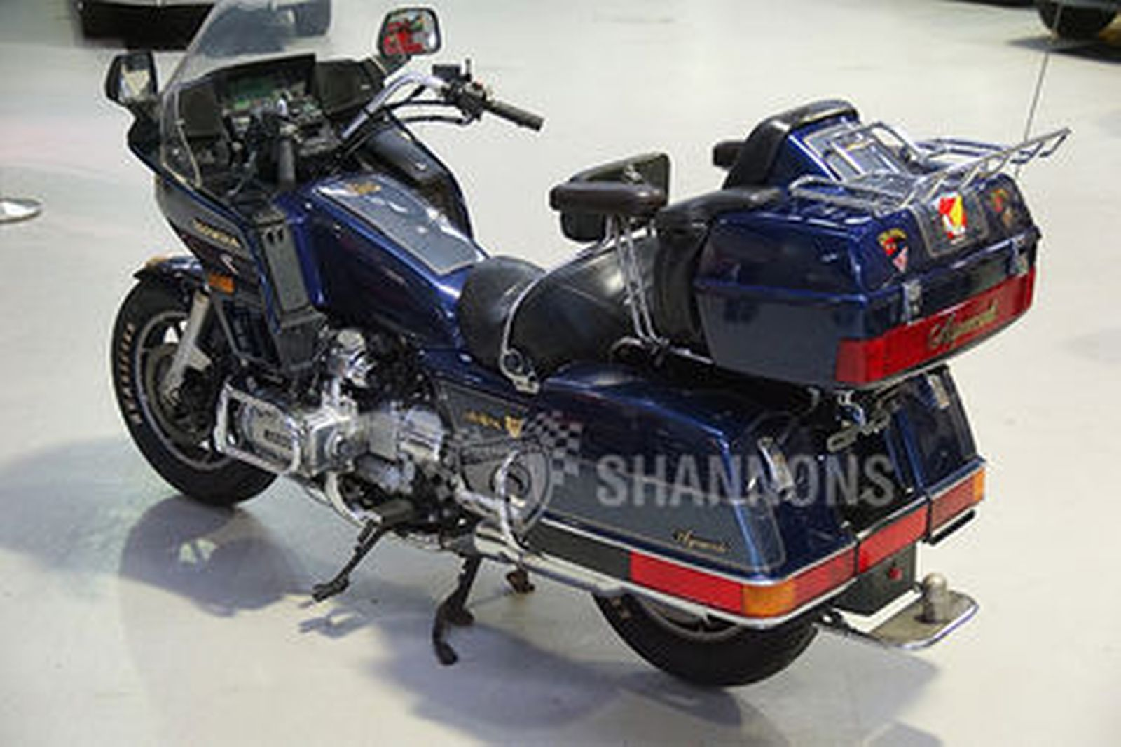 sold honda gl goldwing aspencade motorcycle auctions lot  shannons