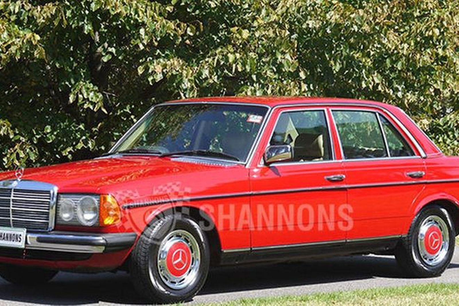 Sold mercedes benz 230e sedan auctions lot 13 shannons for Mercedes benz 230e