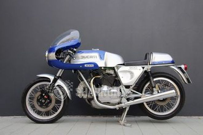 Ducati 900 SS Motorcycle
