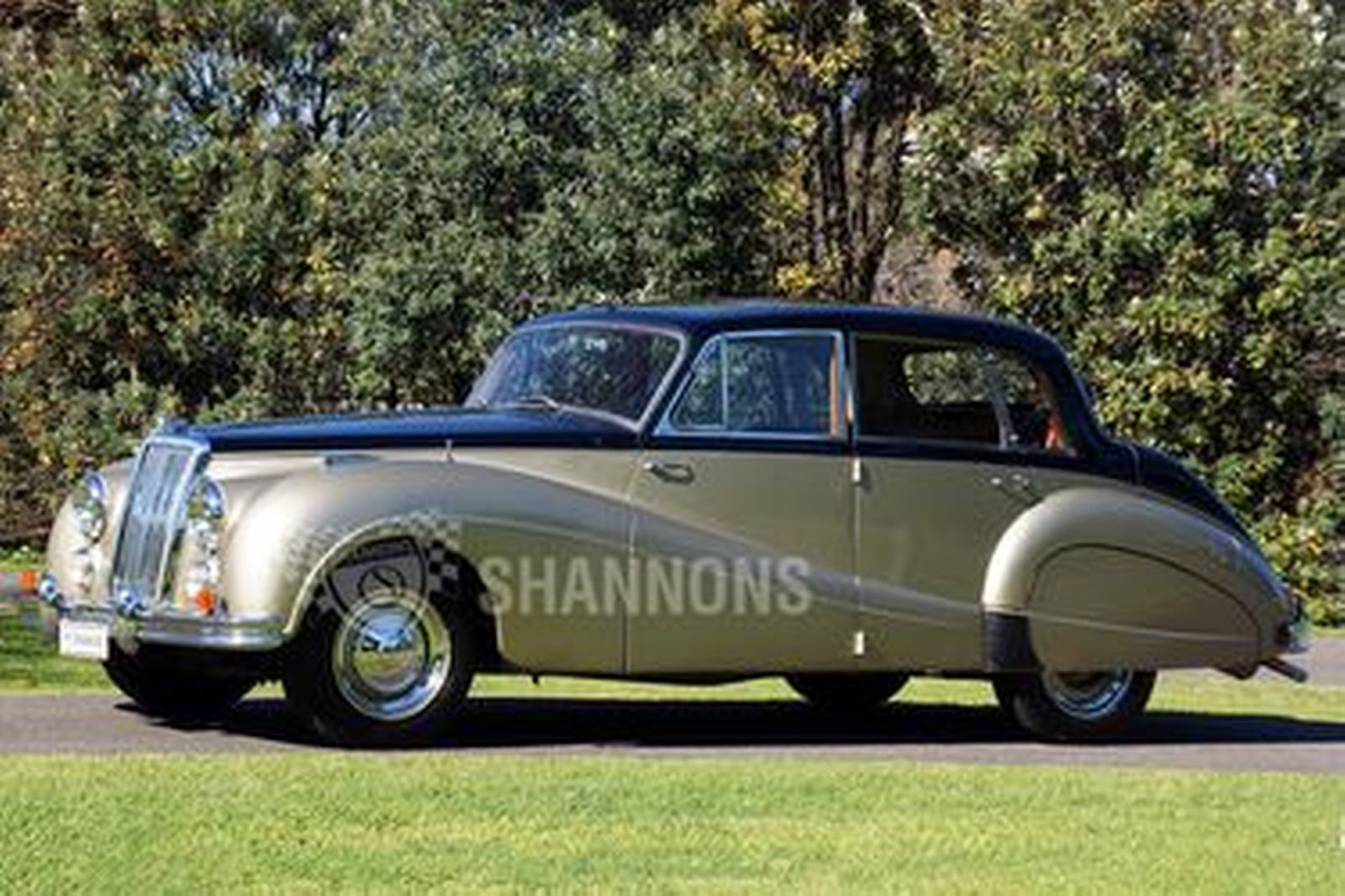 Armstrong Siddeley Sapphire Saloon