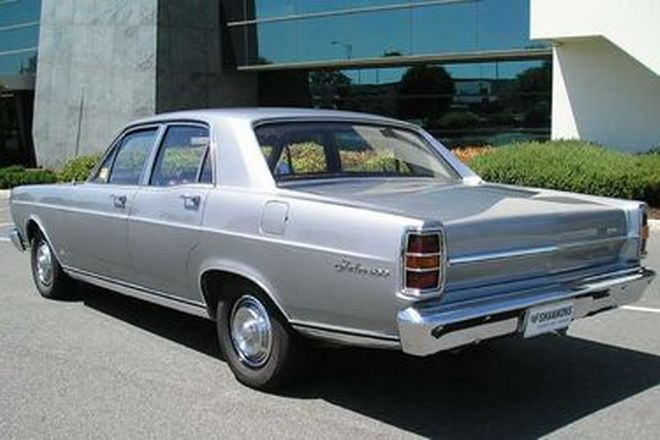 Ford Fairlane ZC 351 V8 Sedan