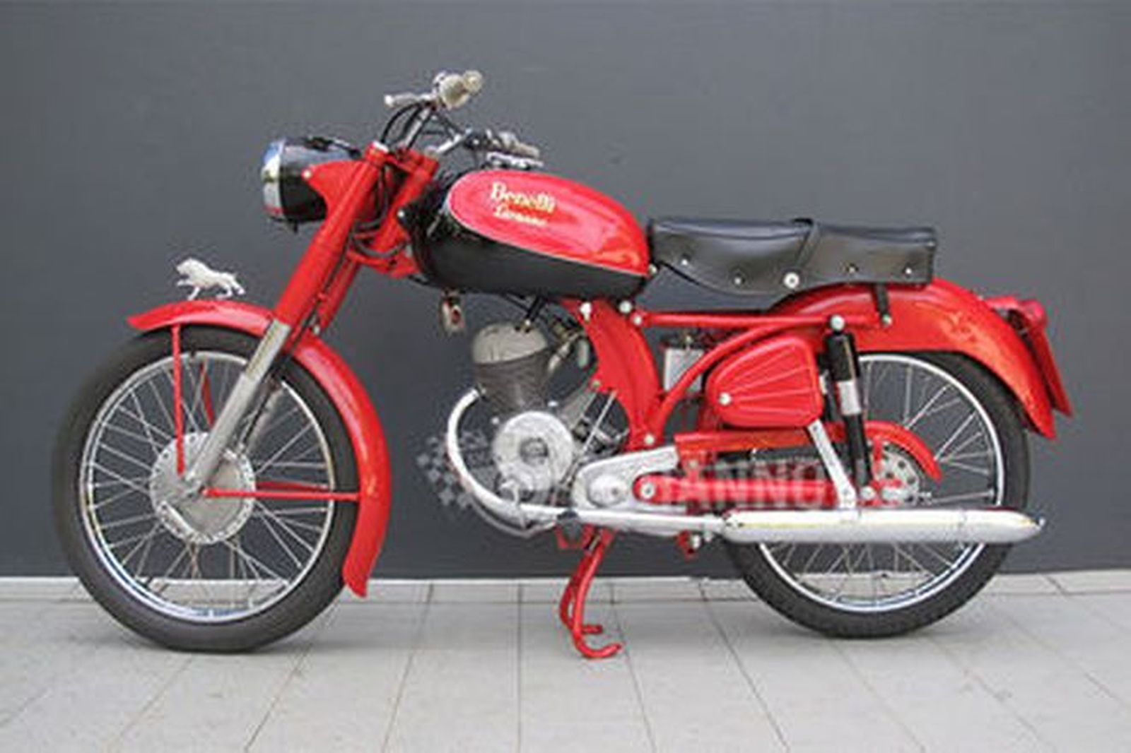 Benelli Leoncino 125cc Motorcycle Auctions Lot Ae Shannons