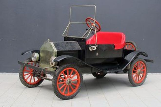 Child's Car - Ford Model T powered by 3.5HP Briggs & Stratton Petrol Engine (180cm long)