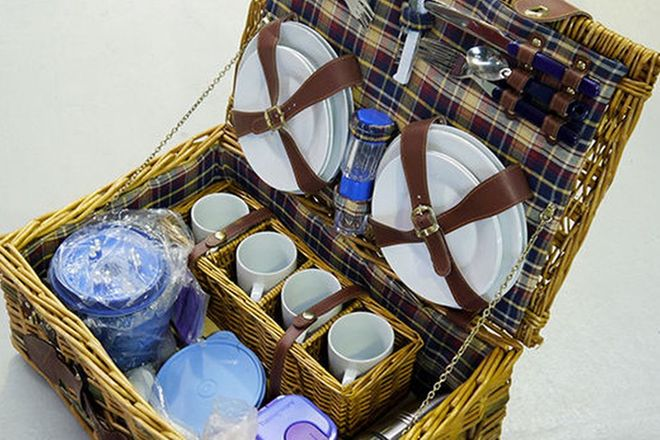 Picnic Set - 4 place setting in Cane Basket