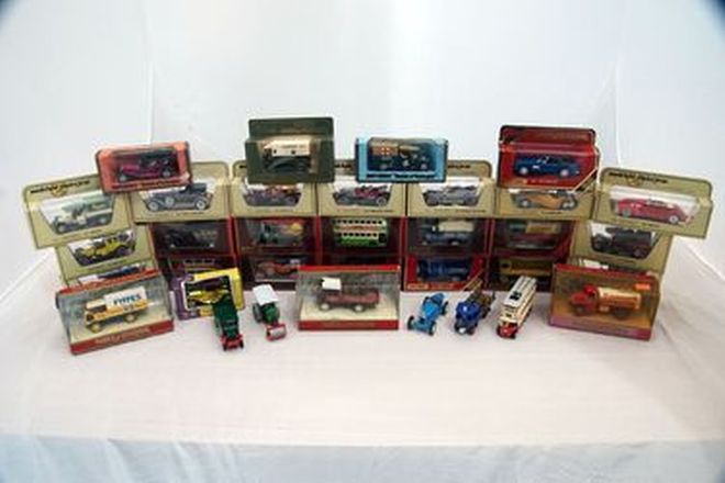 Model Cars x 34 - Assorted Matchbox Models of Yesteryear Boxed and Unboxed