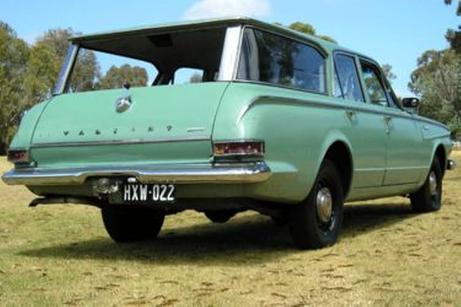 Sold Chrysler Valiant Ap5 Safari Station Wagon Auctions