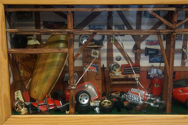 Miniature Racing Workshop in wooden frame