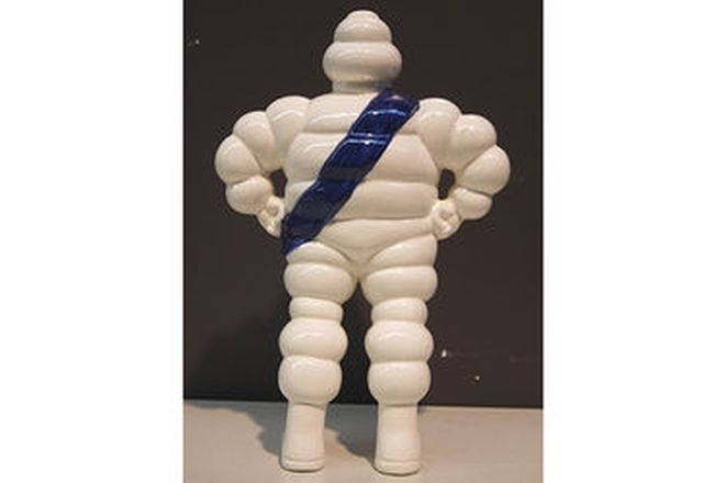 Statue - Michelin Man (Porcelain 30cm tall)