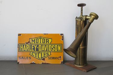 1 x Harley Davidson Enamel Sign & Brass Tyfon Ship Fog Horn