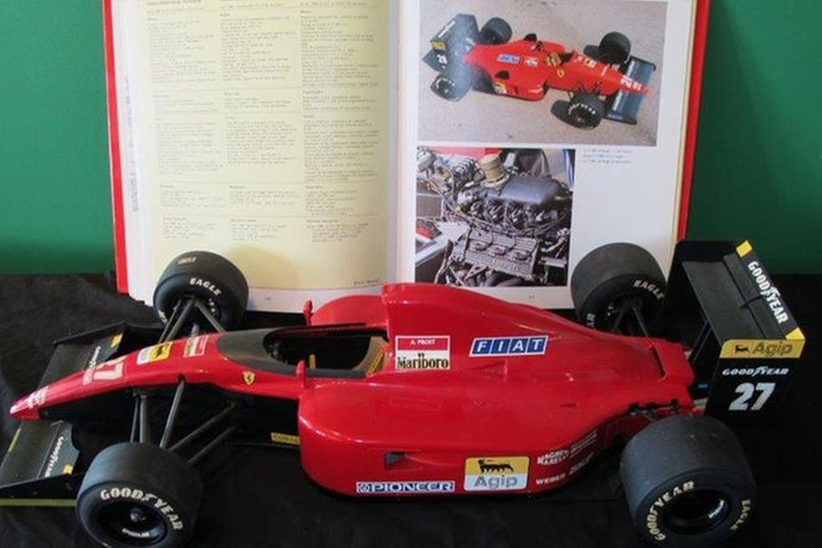Model Car & Books - c1988 Ferrari 643 F1 (1/8 scale 60cm) & 5 Ferrari Books