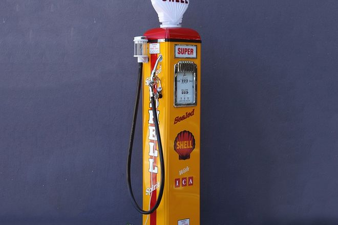Petrol Pump - c1950s Wayne AS70 in Shell Livery with Reproduction Globe