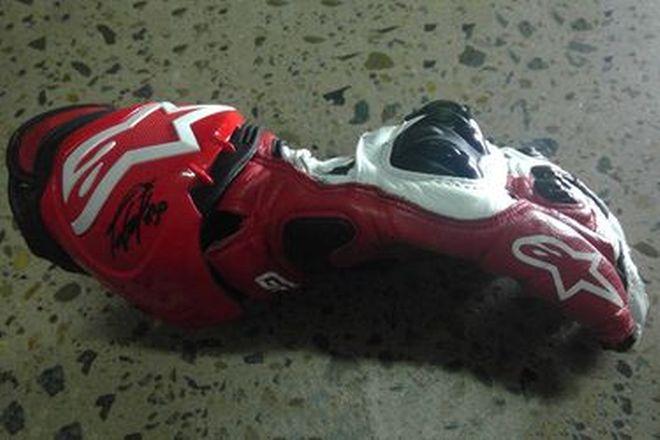 Taka Nakagami #30 Signed Glove - RH