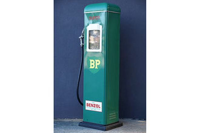 Petrol Pump - c1940/50s Gilbarco Electric in BP Livery