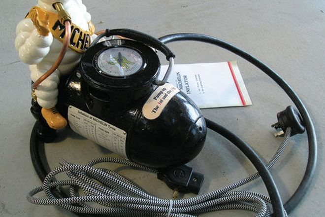 Compressor - Michelin Man including Air Gauge