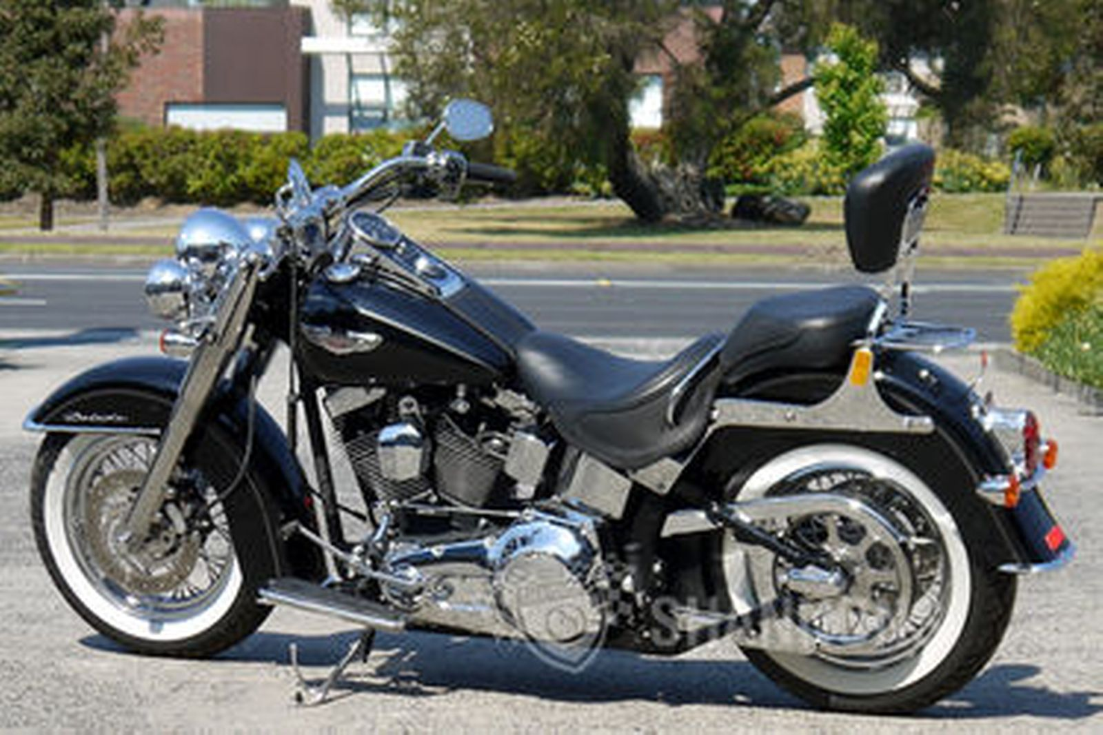 harley davidson flstn softail deluxe motorcycle auctions lot 9 shannons. Black Bedroom Furniture Sets. Home Design Ideas