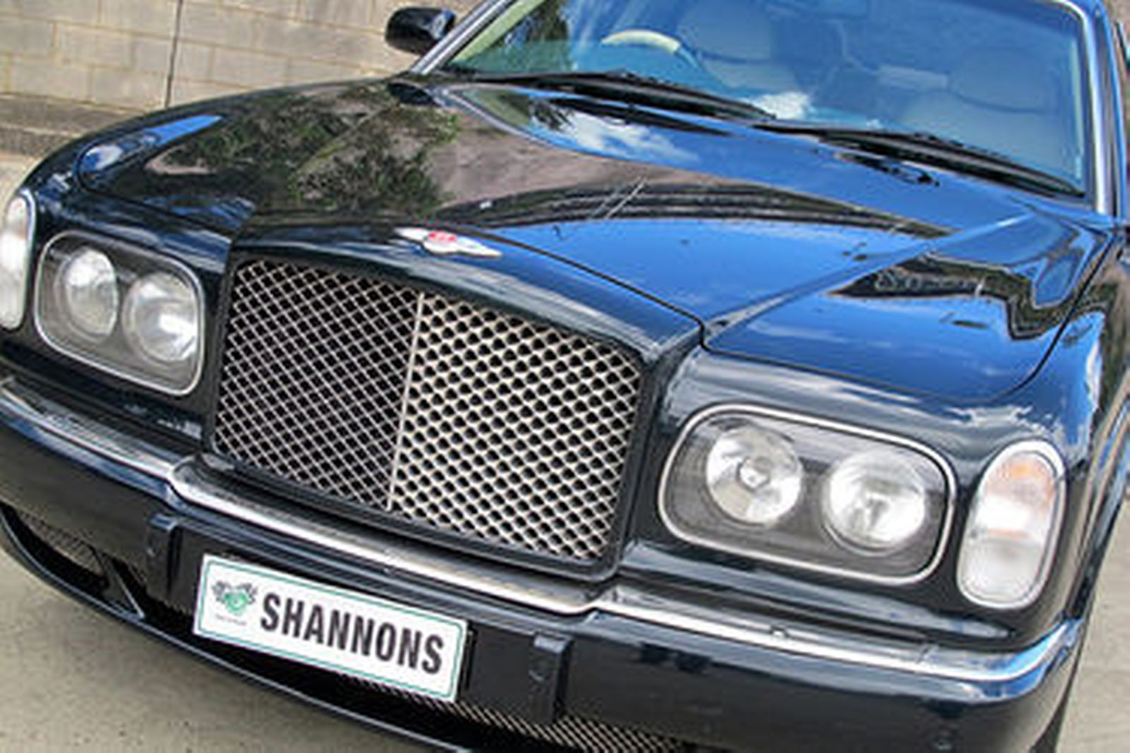 Sold bentley arnage red label saloon auctions lot 26 shannons bentley arnage red label saloon vanachro Choice Image