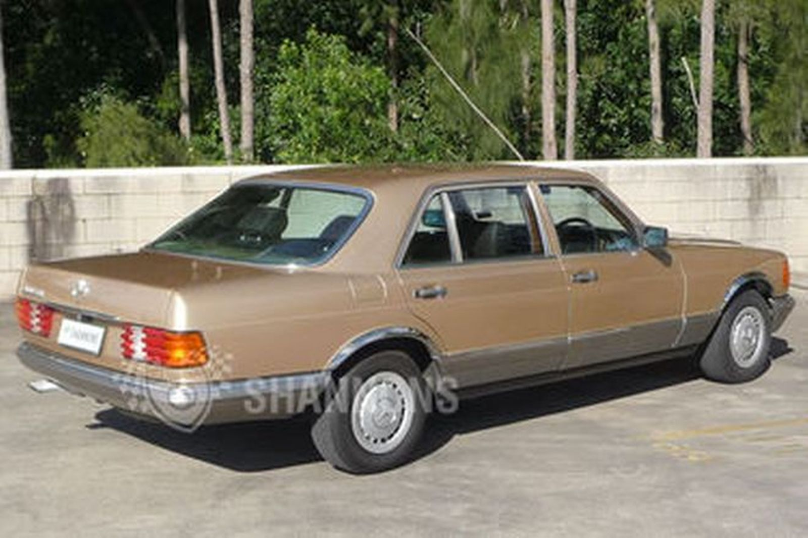 Sold mercedes benz 380 sel sedan auctions lot 7 shannons for Sun motor cars mercedes benz