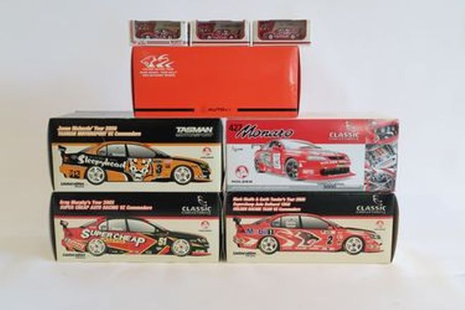 Model Cars - 4 x Classic Carlectables,  1 x AutoArt, 3 x Biante plus 5 x Clear Display Cases