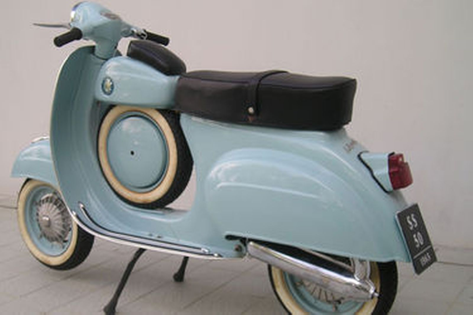 Vespa SS 50 (Replica) Scooter