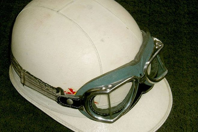 Helmet - Everoak Period Leather Helmet & Climax Goggles