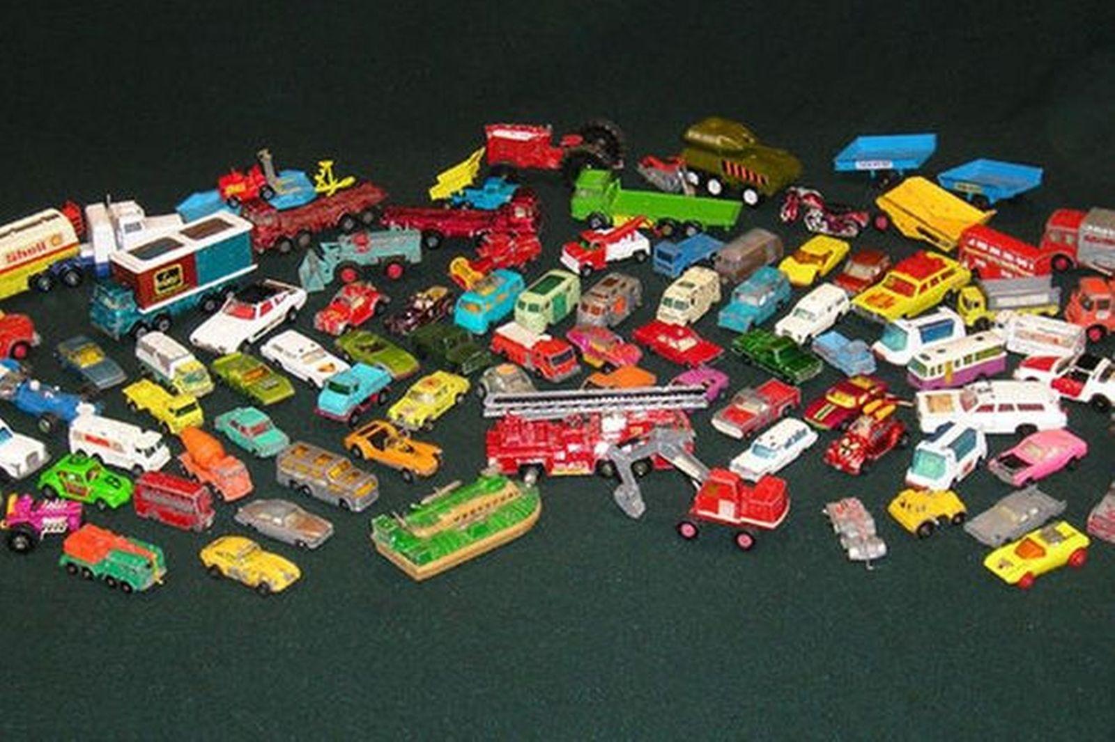 Model Cars - 96 Assorted Matchbox Style Cars & Trucks