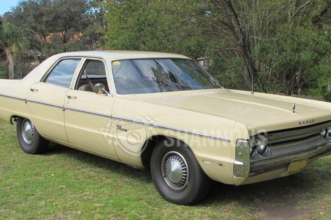 Dodge Phoenix 318 V8 Sedan (RHD)