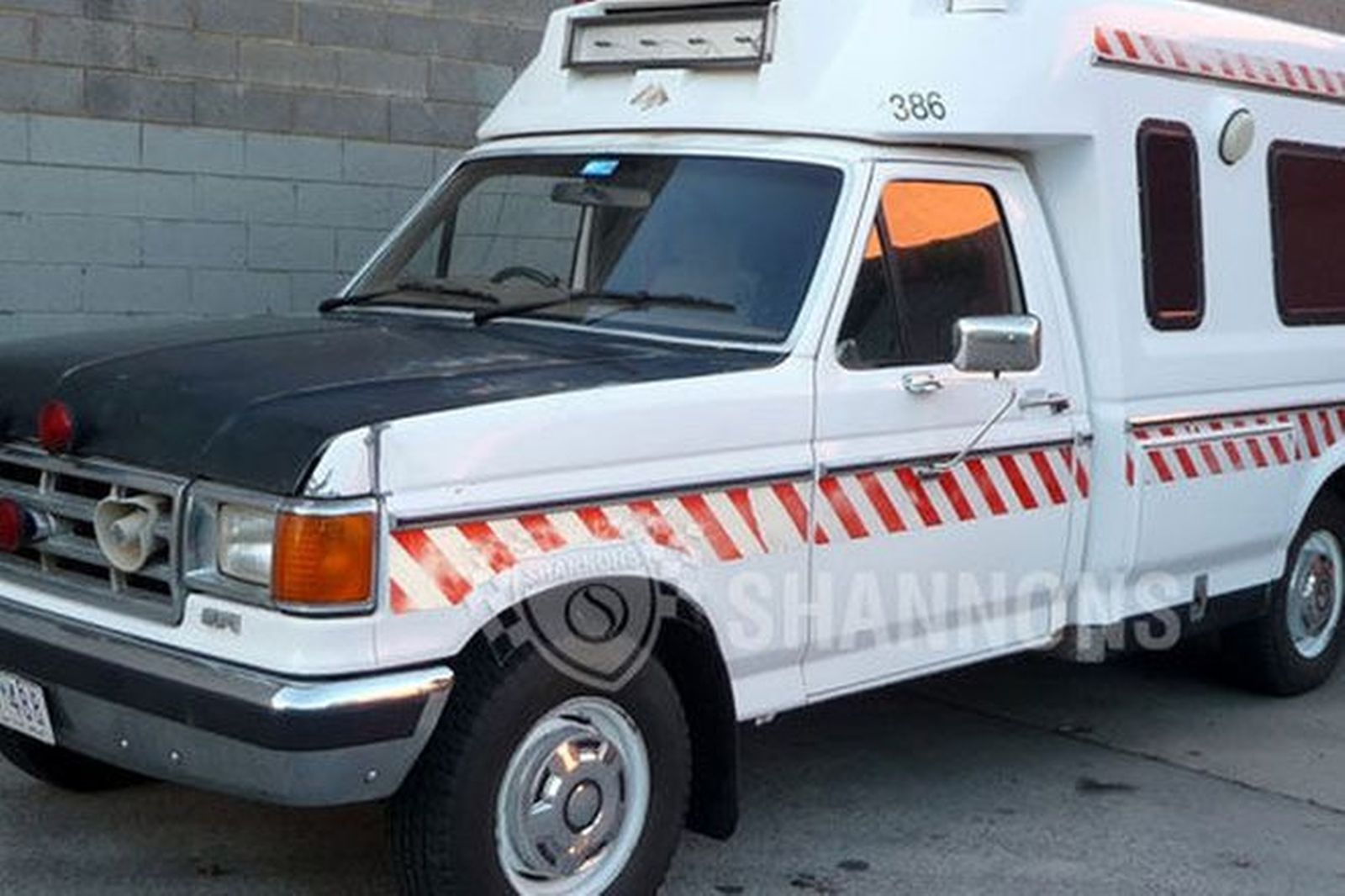 Sold ford f250 ambulance auctions lot 10 shannons for Motor vehicle open on saturday