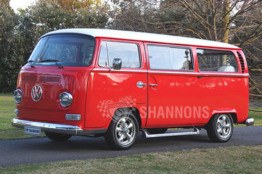 Volkswagen 'Kombi' T2 Microbus
