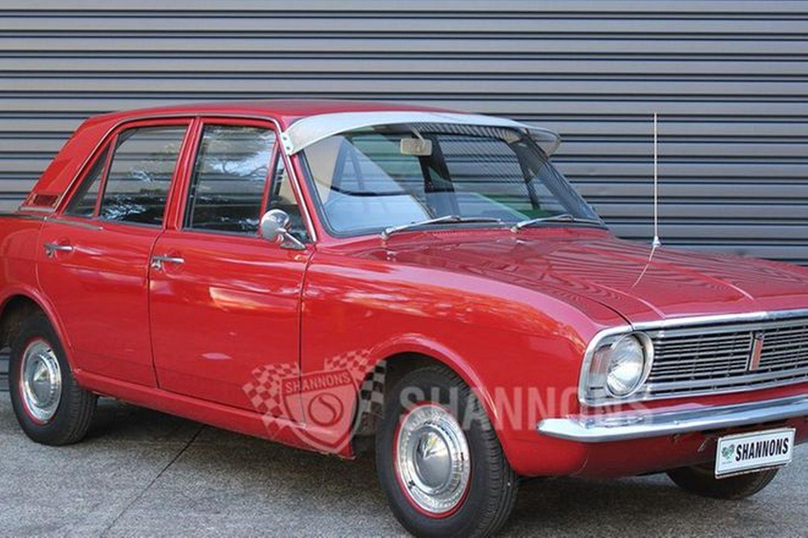 Ford Cortina 440 Sedan