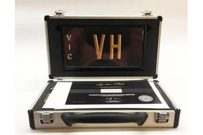Victorian Signature Plate - VH