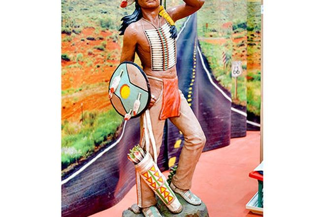 Statue - Indian look out (180cm H)