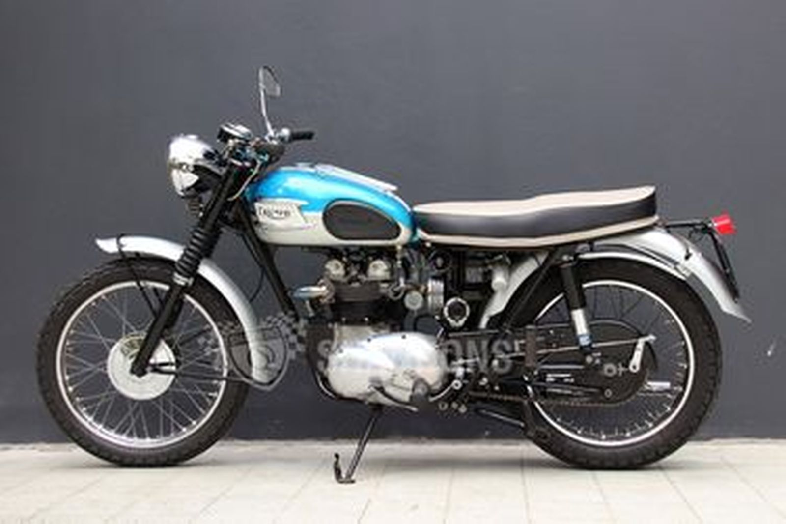 Triumph T100SS 500cc Motorcycle