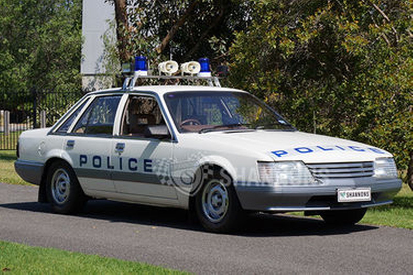 Ex Police Car Auctions >> Holden VK Commodore 'Ex-Police Car' 308 V8 Sedan Auctions - Lot 26 - Shannons