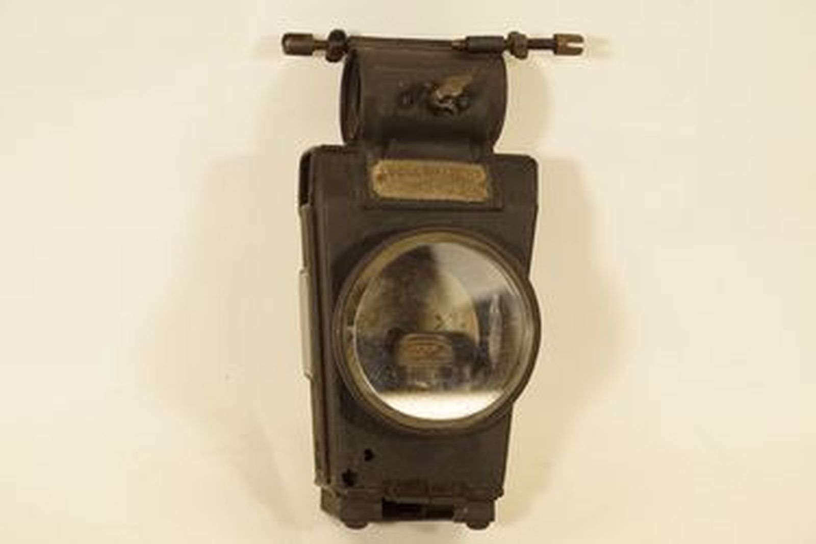 File:Guildhall Museum Collection Penny-farthing Paraffin Hub light 3301.JPG