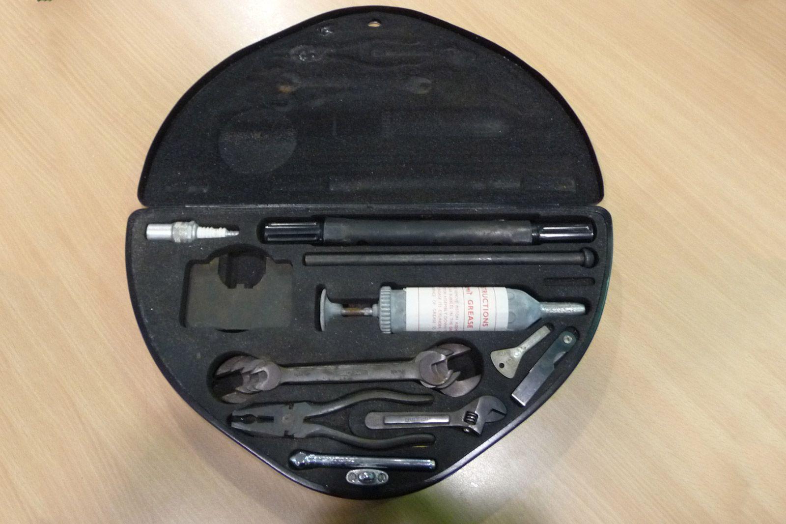 Jaguar Mk. 10 Tool Kit