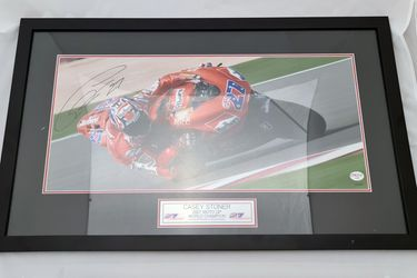 'Casey Stoner - 2007 Moto GP World Champion' Framed Signed Photo - With COA #47/250 (890W x 537H)