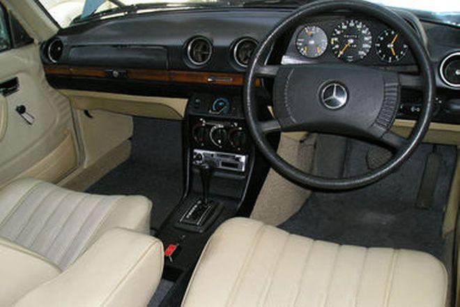 Mercedes-Benz 280E Saloon (CHARITY LOT)