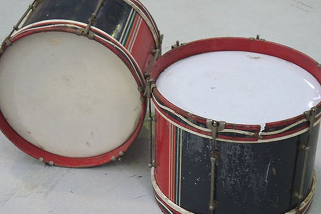 Drums - 2 x Decorated Period Everplay Extra
